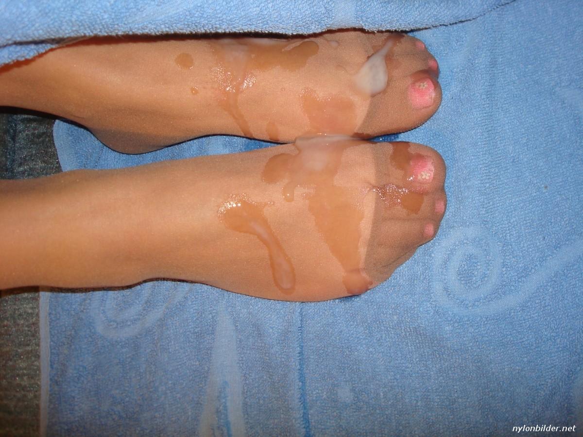 Sperma Füße